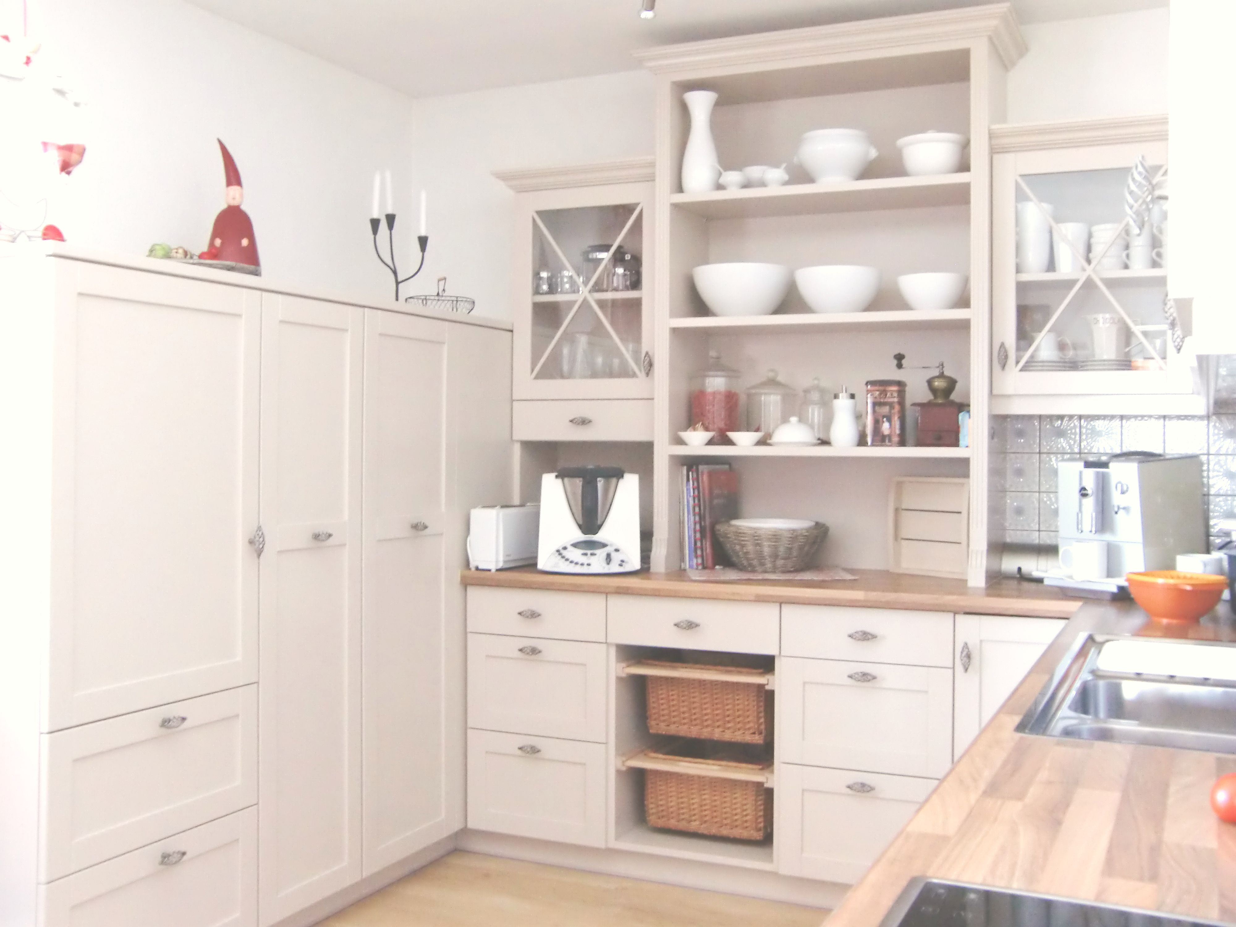 Nett Küchenschrank Einbauwerkzeuge Bilder - Küche Set Ideen ...