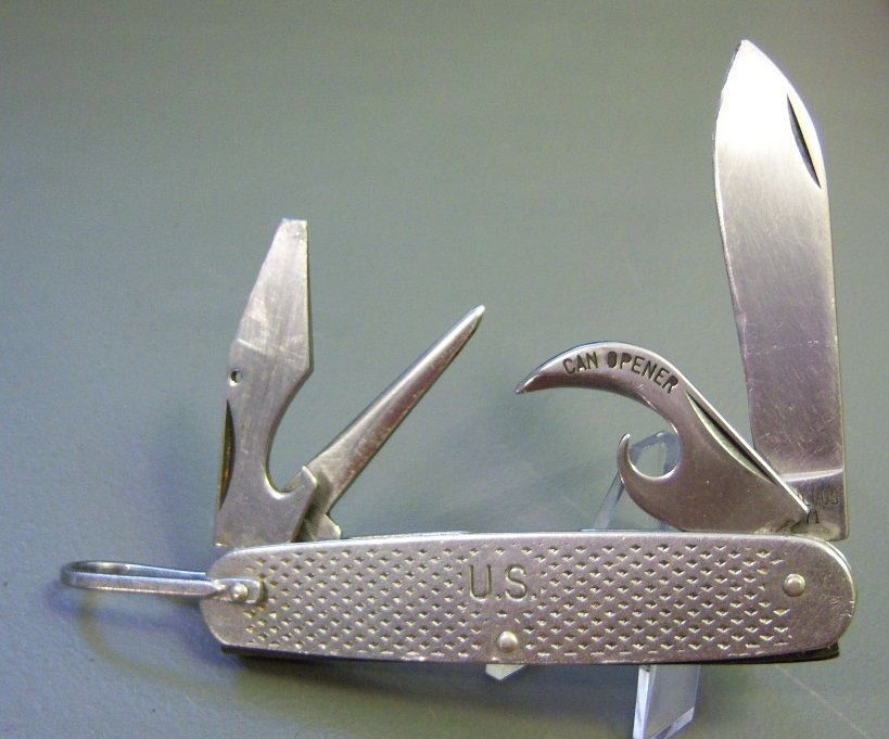 1971 Camillus USMC vietnam pocket knife  I need one of these in my