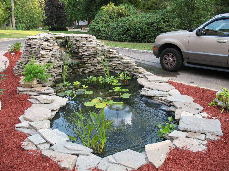 laghetto da giardino con fontana a cupola arredamento d