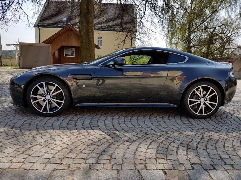 2016 Aston Martin Vantage S V8 Coupe Sportshift Sp10 Top Condition Tags 2016 Astonmartin Van Aston Martin Vantage S Aston Martin Vantage Aston Martin V8