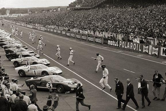Depart Le Mans 1966 Otto Ludwig Bettmann Le Mans Race Cars Ford Gt