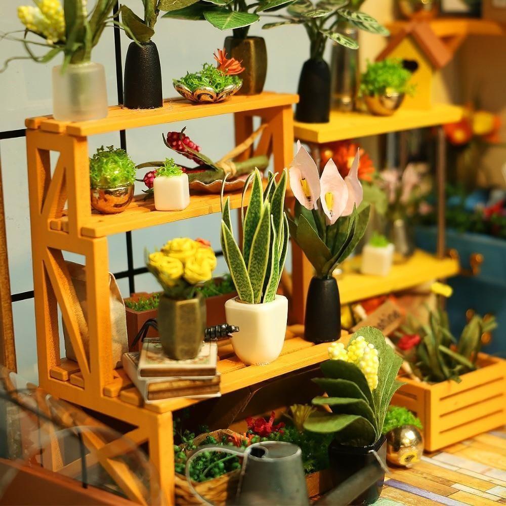 Photo of Flower House DIY