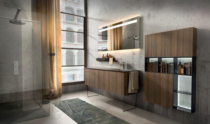 Duschkabine mit Regendusche, halbdurchsichtiger Vorhang in Beige - spiegel badezimmer mit beleuchtung