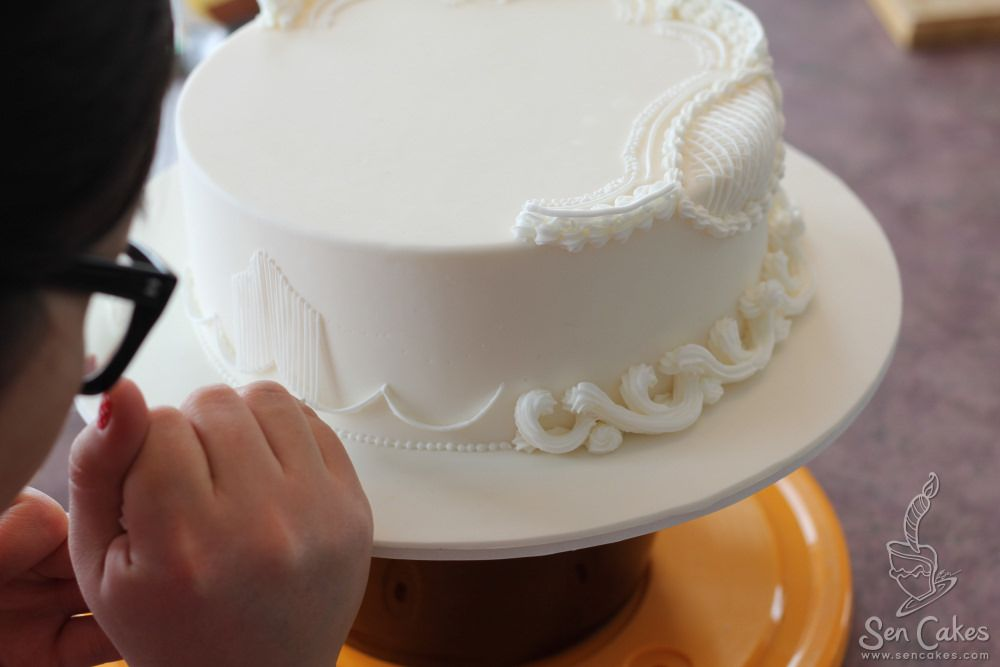 recipe: royal icing recipe for piping on fondant [6]