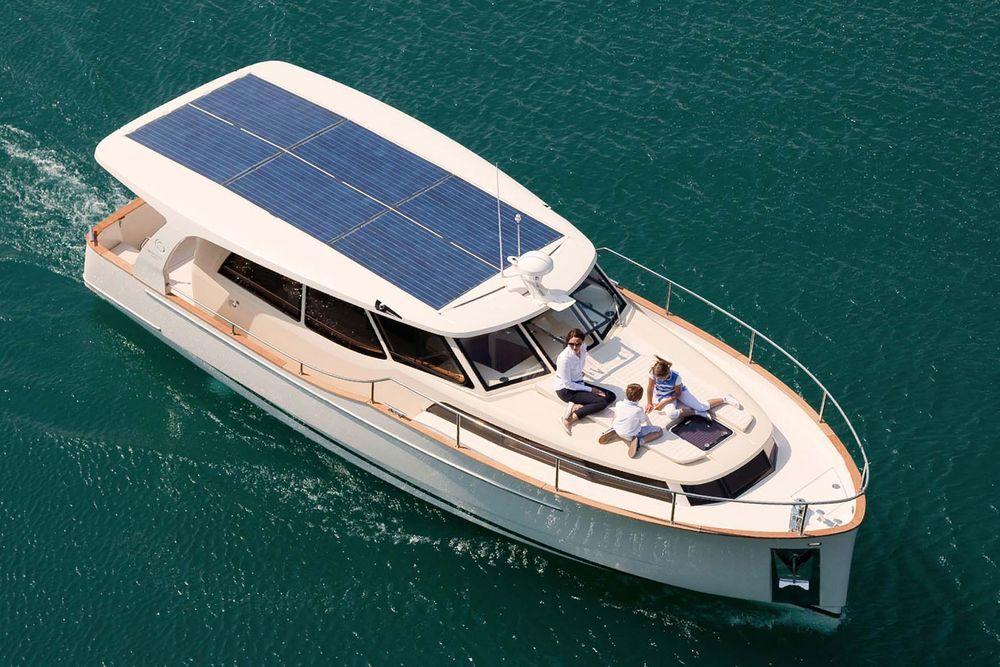 14 Great Pocket Cruisers | Hybrid Solar Boats | Cruiser boat