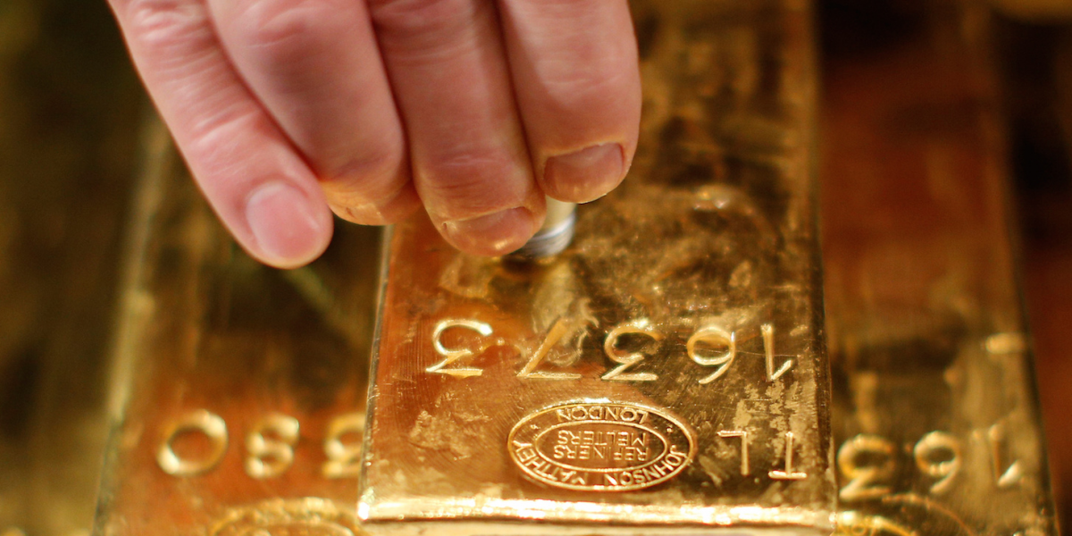 Physical gold sales jump 253 at London store as global