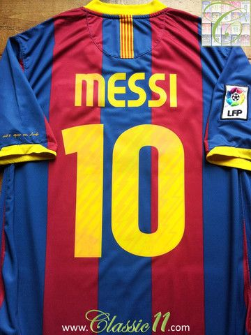 d490e9aac Relive Lionel Messi s 2010 2011 La Liga season with this vintage Nike Barcelona  home football shirt.