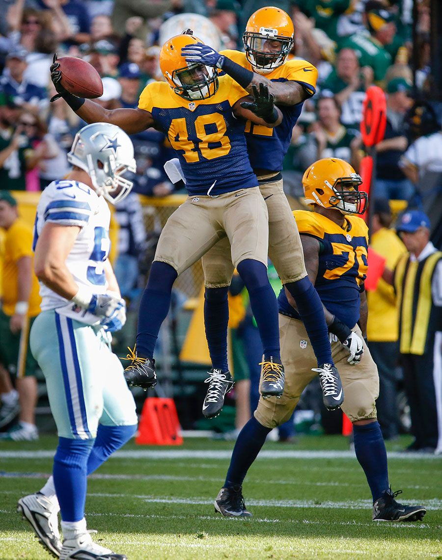 Est January 8th 2015 On Instagram Packers Win 27 17 With Jayrone Elliott S Interception And Forced Fumble Late In The 4th Quarter Go Packers Packers Elliott
