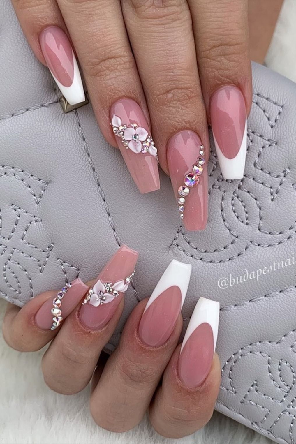 9 Stunning Modern French Manicure Ideas Stylish Belles In 2020 Gel Nail Art Designs Classy Nail Designs Black Acrylic Nail Designs