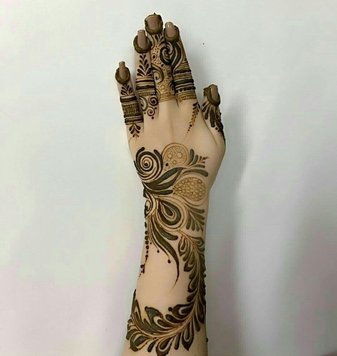 Arabic Henna Arabic Henna Leg Tattoos Finger Tattoos American Traditional Tattoo Khafif Mehndi Design Mehndi Designs Dulhan Mehndi Designs