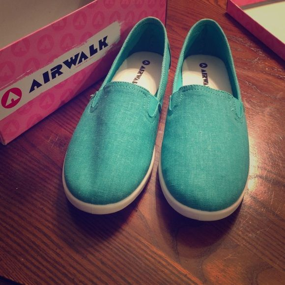 AirWalk Turquoise Dream Reve Brand new! Airwalk Shoes Flats & Loafers