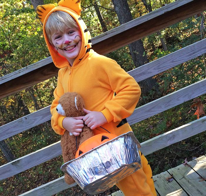 Diy Garfield Halloween Costume Via Mellockcuff Garfield Costume Garfield Halloween Halloween Costumes