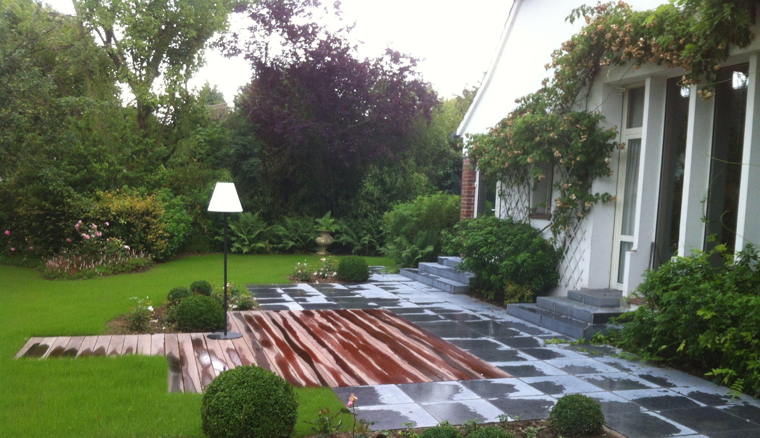 Aménagement de deux terrasses en pierre bleue et bois exotique ...