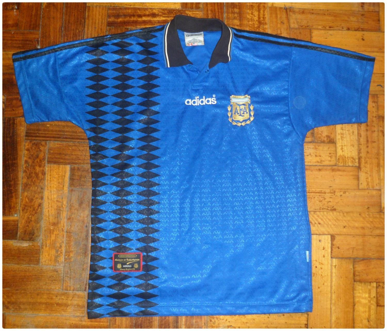 Argentina Away football shirt 1994   Old football shirts, Cheer ...
