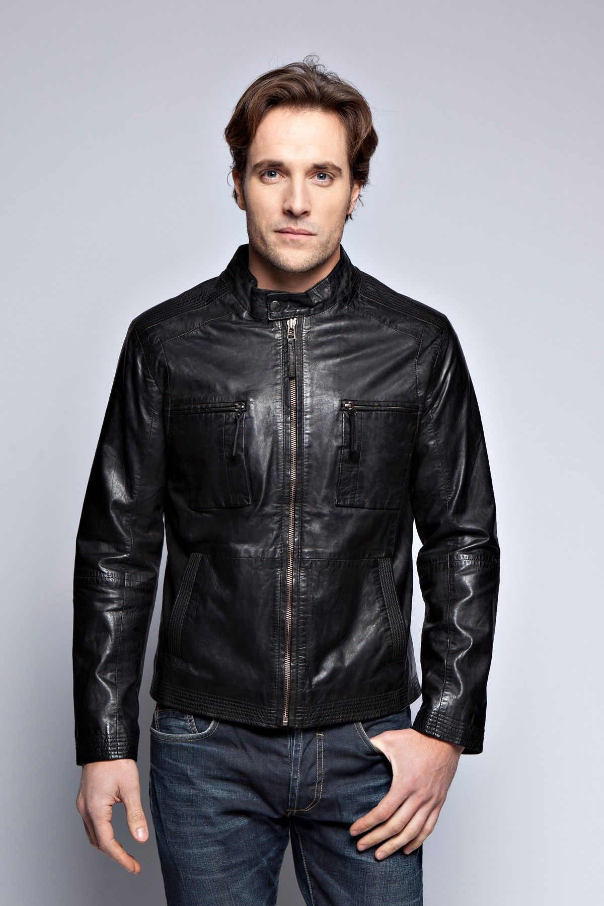 LEATHER JACKETS JOSH GIORGIO!  Shop Men's leather jackets at Prestige Cuir a french company in Paris!Browse our collection of designer men's leather jackets in a variety of styles and coloursA classic men's leather jacket is an investment piece that will transcend the seasons and will bring you great satisfaction!WE OFFER LEATHER JACKETS JOSH GIORGIO IN TWO COLORS: BLACK AND BROWN.YOU CAN FIND THESE LEATHER JACKETS JOSH GIORGIO ON OUR WEBSITE: www.prestigecuir.fr/en
