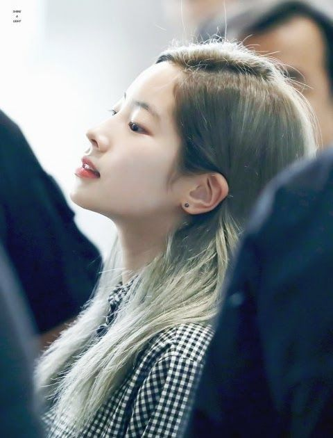 Enter Talk Because Of They Are Known For Their Monolids People Don T Notice Their Noses Twice Dahyun Korean Girl Groups Twice Jyp