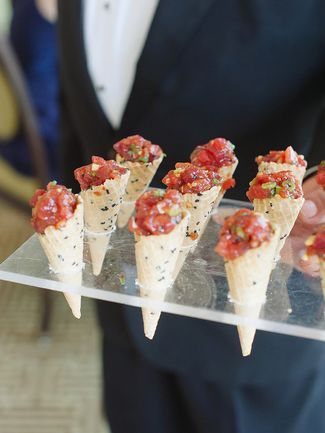 25 Appetizer Ideas Your Guests Will Love | Wedding reception ...