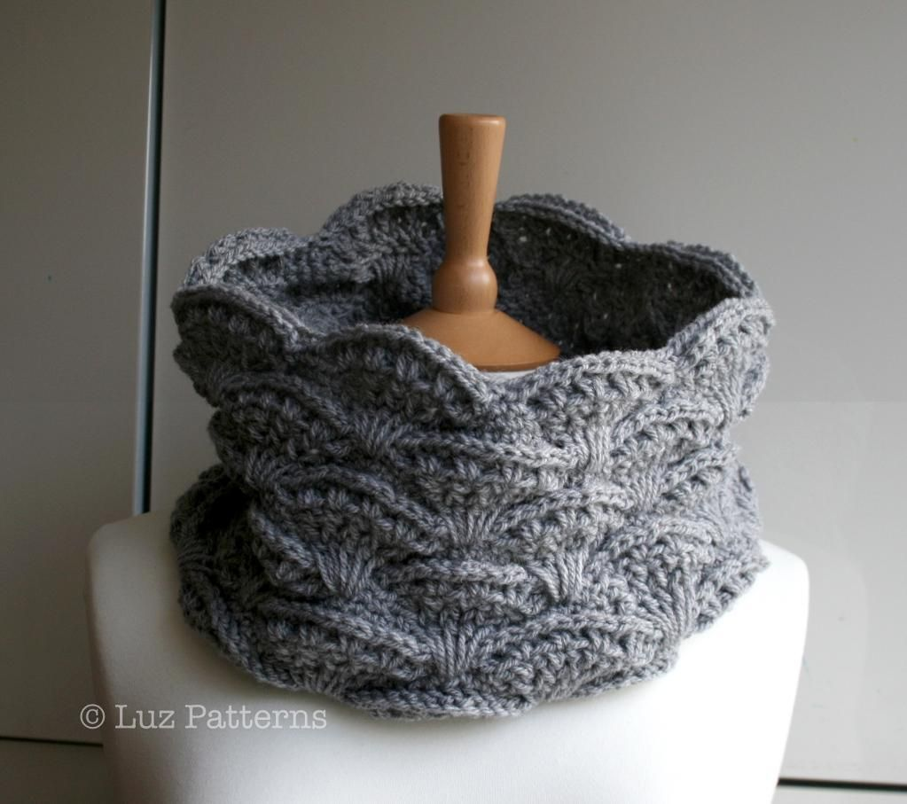Aran lace crochet snood pattern 126 snood pattern crochet aran lace crochet snood pattern 126 bankloansurffo Image collections