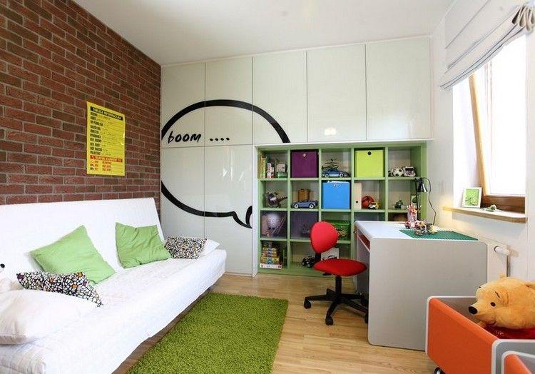 Kleines Kinderzimmer Einrichten Ideen  Einbauschrank Regalsystem Tapete Backsteinwand