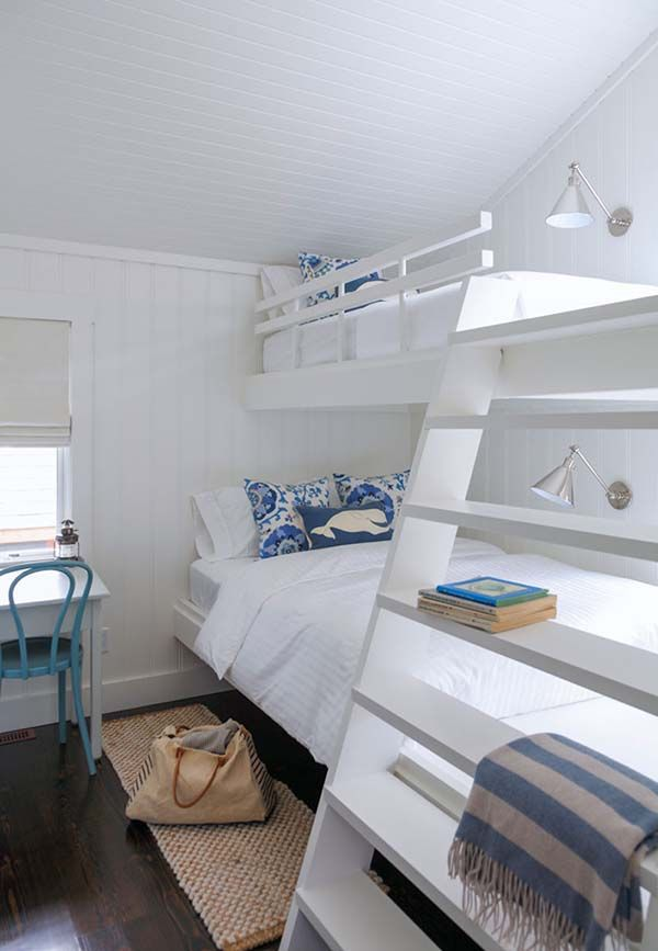Muskoka Beach Cottage Designed With Fresh And Inspiring