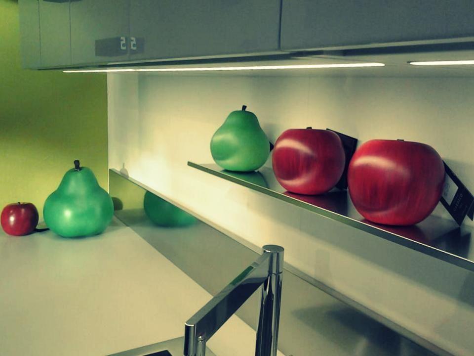 Cucine emetrica ernesto meda frutta cores da terra decoratie pinterest showroom - Cucine sospese da terra ...