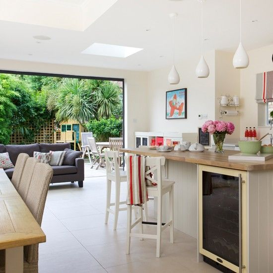 Living Room Style Kitchens: Open-plan Shaker Style Kitchen
