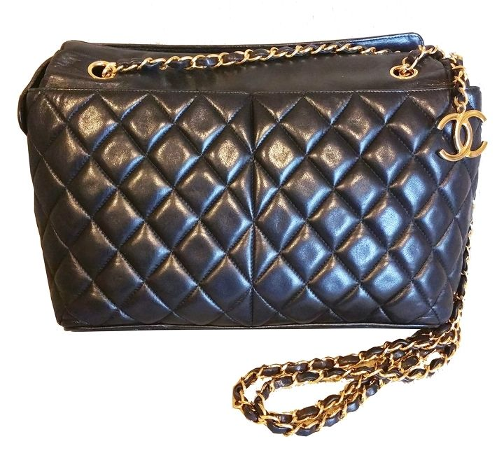 SOLD Authentic Vintage Chanel Quilted CC Dangle Cross Shoulder  Shoulder  Bag  Made in Italy  134xxxx ( the sticker is damaged ) -Approximately 12