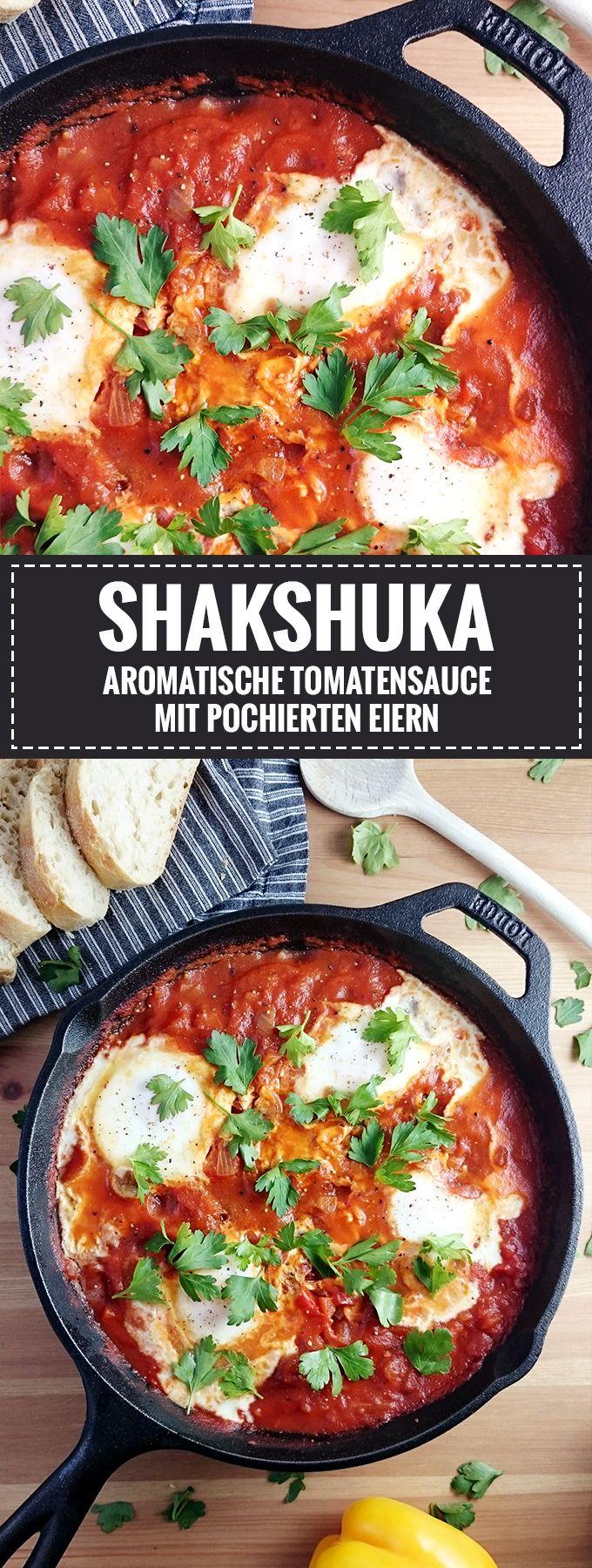 Shakshuka – Aromatische Tomatensauce mit pochierten Eiern // Rezept auf Knabberkult.de #vegetariangrilling