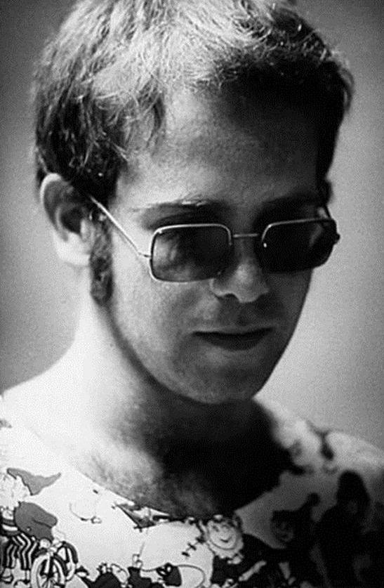 Incredible musician! Elton John, I worship you. Love, Scarlett Rabe