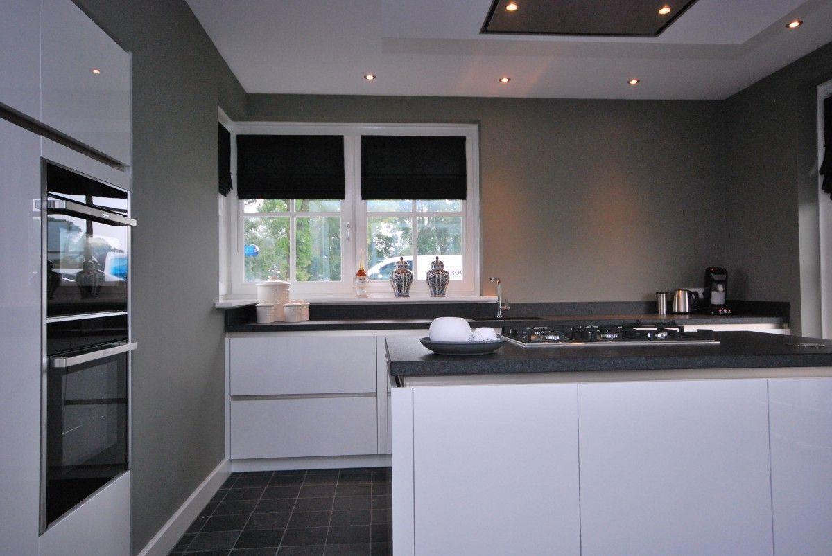 Moderne Hoogglans Keuken : Moderne hoogglans keuken markelo keukenhof interieur