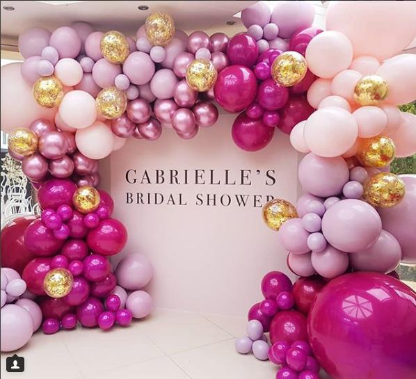 Como Hacer Un Arco De Globos De Diferentes Tamaños Ideas De Como Hacer Arcos Orgánicos Con G Girl Baby Shower Decorations Purple Bridal Shower Party Balloons