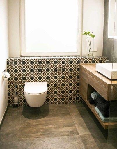 Seniorengerechtes Bad In Naturtonen Badgestaltung Badezimmer Dekorfliesen