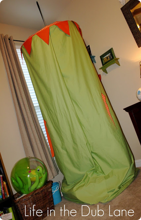 DIY Kids Play Canopy and Cozy Reading Nook for $20 Land of Nod inspired : kids play canopy - memphite.com