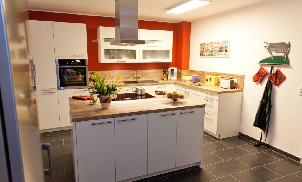 weiss-holz-kueche-griff-kochinsel-induktion_151_thumb Haus  Co - küche landhaus weiß