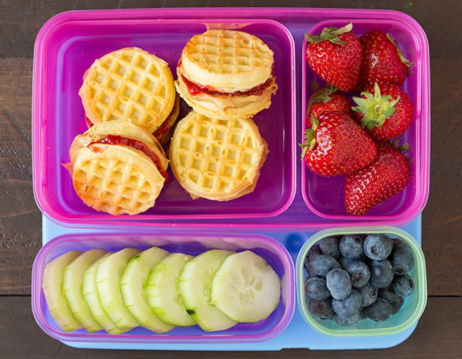 7 easy school lunch ideas your kids can make themselves. Freedom!