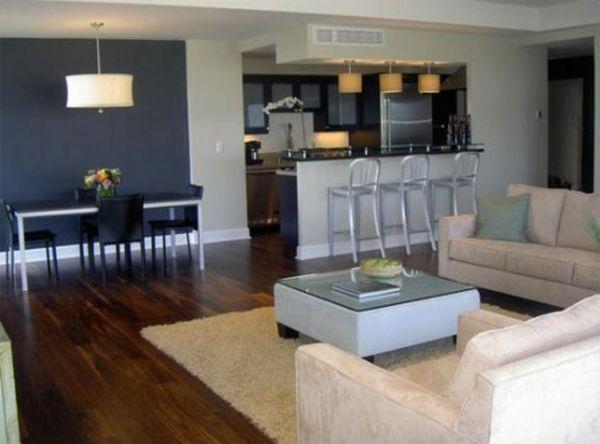 wohnzimmer streichen ideen - dunkel blau und graue barhocker ...