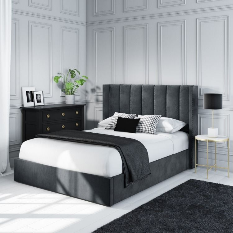 Velvet Ottoman Bed With Studded Wings In Grey Velvet Ideias De Decoracao Para Casa Decoracao De Quarto Cama Verde
