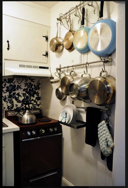 Pots And Pans Storage Small Apartment Kitchen Kitchen Decor