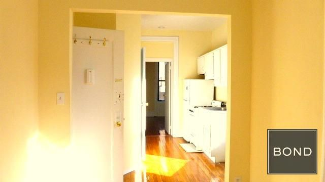 1 Bedroom 1 Bathroom Apartment For Sale In Upper East Side With Images Apartment Apartments For Sale Nyc Apartment