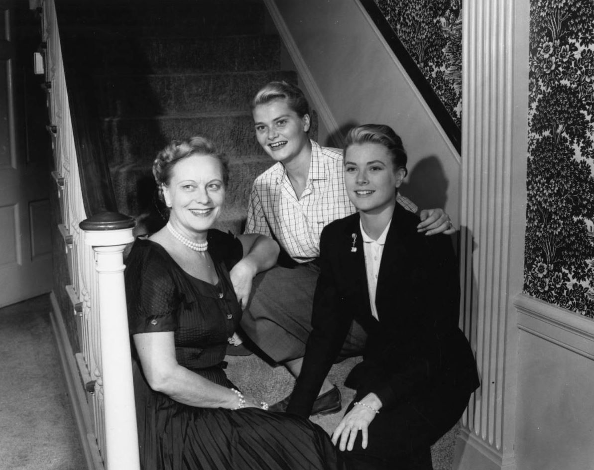 Grace Kelly at her childhood home in Philadelphia with her