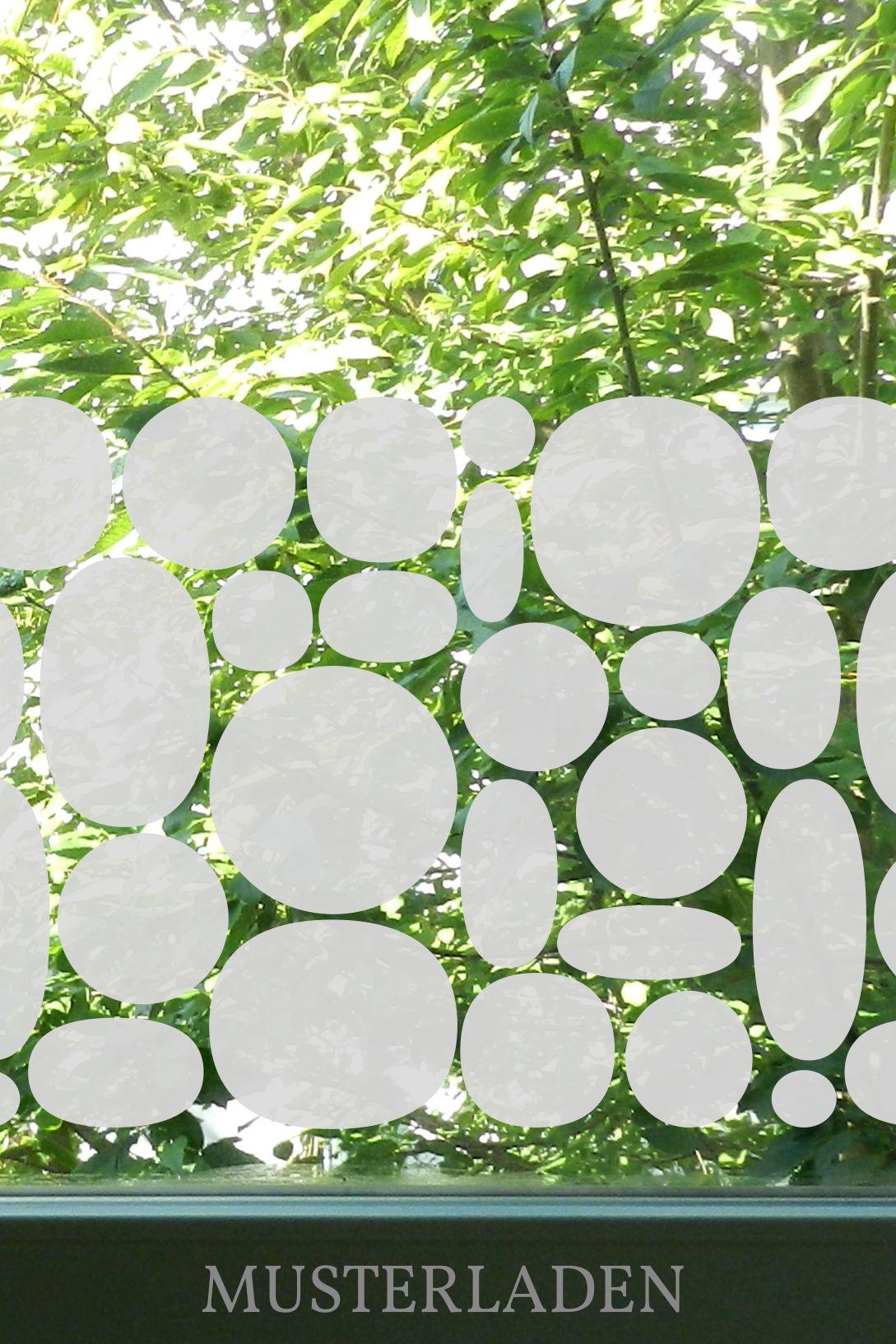 Milchglasfolie Dekorativ Bestehend Aus Kugeln Selbstklebende Glasdekorfolie Die Als Sichtschutz Und Fensterschmuck Dient Fenster Fensterfolie Fenster Dekor Und Wandtattoos