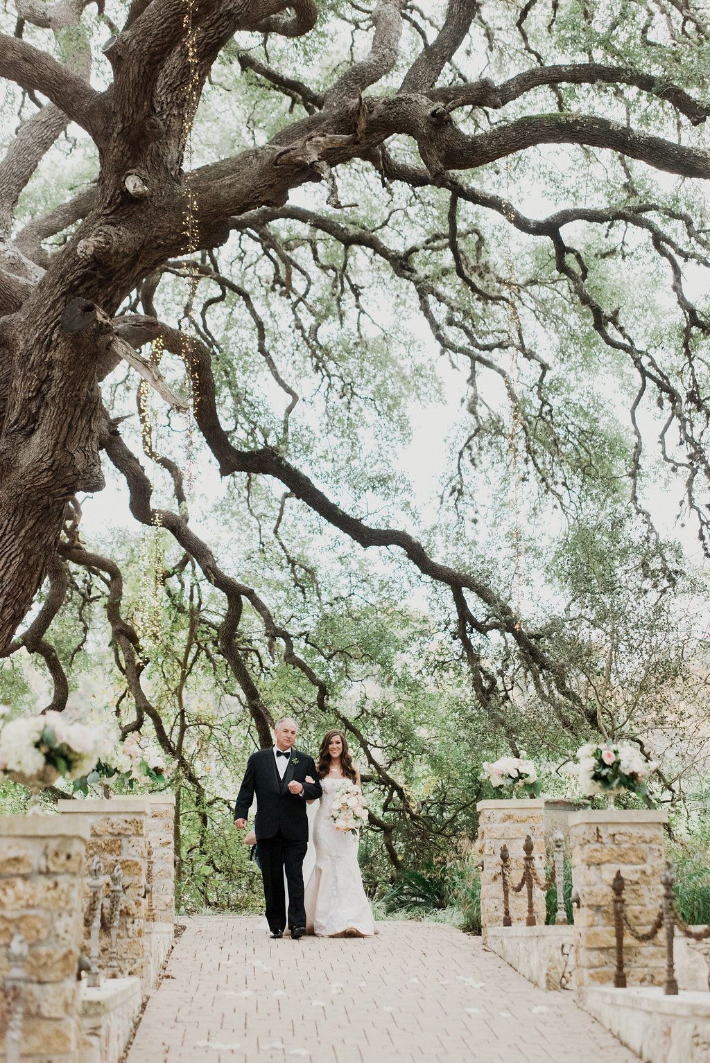 Happy moments | Sacred Oaks | Whim Floral | Whim Rentals | Captivating Weddings