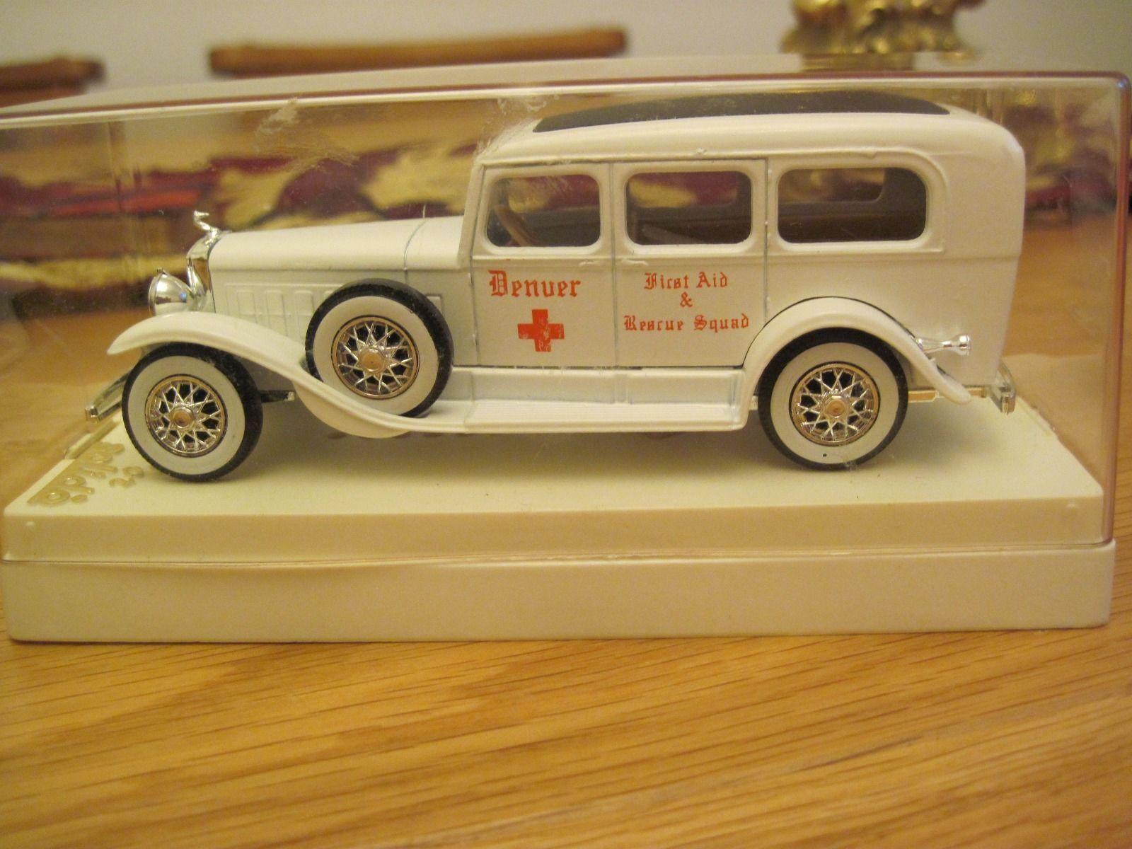 SOLIDO CADILLAC AMBULANCE 1:43 scale   Ambulance, Cadillac and Scale