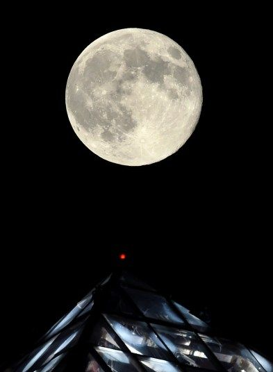 Supermoon Pictures From Around The World Super Moon World Stars And Moon