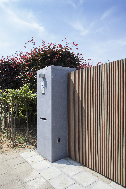 Moderne minimalistisch strakke tuinpoort architecturaal for Tuin verbouwen