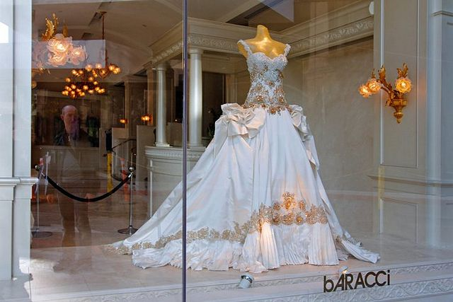 Baracci S Beautiful Wedding Dress On Rodeo Drive Los Angeles