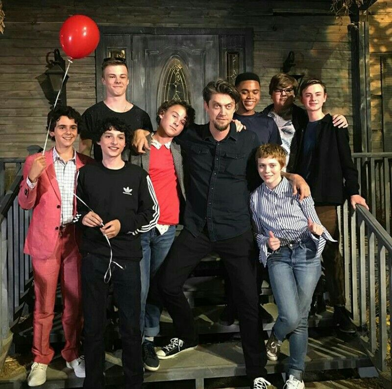 Pin By Aj Blanky On It It The Clown Movie It Movie Cast Pennywise The Dancing Clown