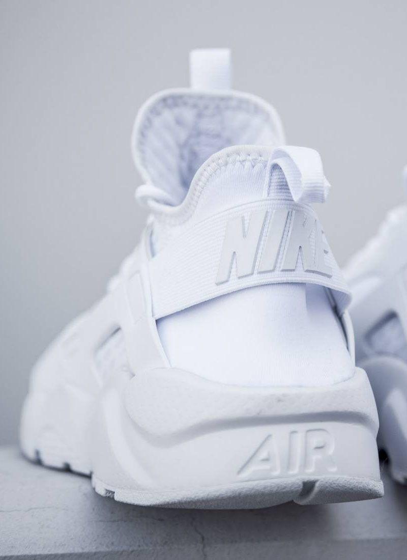 5956b0cfc95 Triple White Huarache 'Breeze' #nike #clean #white   White Nike ...