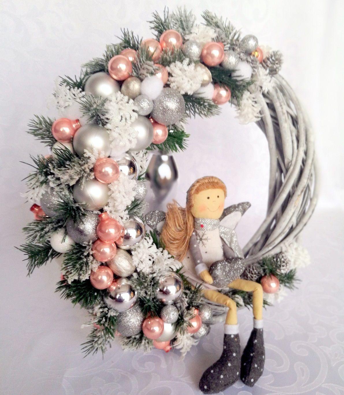 Wianek Swiateczny Z Aniolkiem Nr 57 Swiateczne Atelier Christmas Wreaths Holiday Decor Holiday