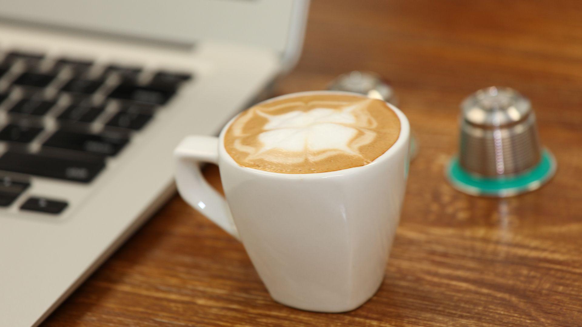 Christbaumkugeln Cappuccino.Simplicity Of Single Shot Coffee Simple Single Coffee